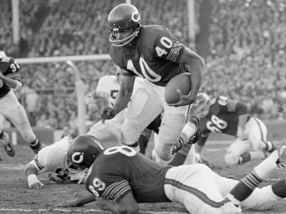 Wake Up With The Best Of Gale Sayers. RIP To One Of The All-Time Greats