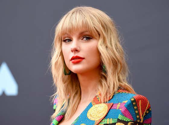 Taylor Swift RIPS Scooter Braun In An Open Letter After He Once Again Fucks Her Over On The Sale Of Her Masters