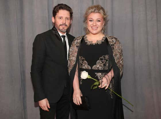 Kelly Clarkson's Ex-Husband Is Seeking $436,000 PER MONTH In Their Divorce Settlement