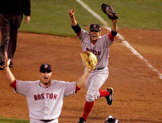 The Story Of Doug Mientkiewicz Holding The Red Sox 2004 World Series Final Out Baseball Hostage Was A Myth, So Here's The Real Story