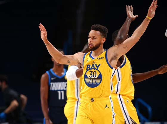 Steph Curry Is Officially Back To Must Watch Status After Going Nuts Again Tonight