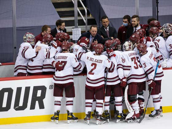 UMass Coach Greg Carvel Thanked The Boys During The Last TV Timeout Before They Won The Natty