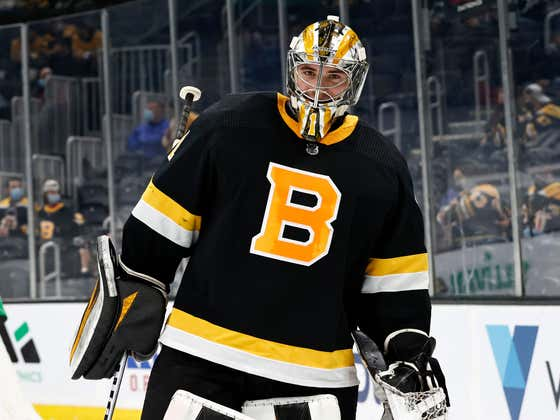 Jeremy Swayman Earns His First Career Shutout, Taylor Hall Scores Again And The B's Have Won Back To Back Games Against The NYI... WE'RE GOING TO BORRELLI's!!!