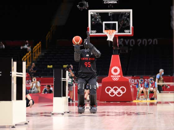 The Giant Basketball Robot Returned During Team USA's Game And It Turns Out He's Nothing But A Fraud Who Just Stinks