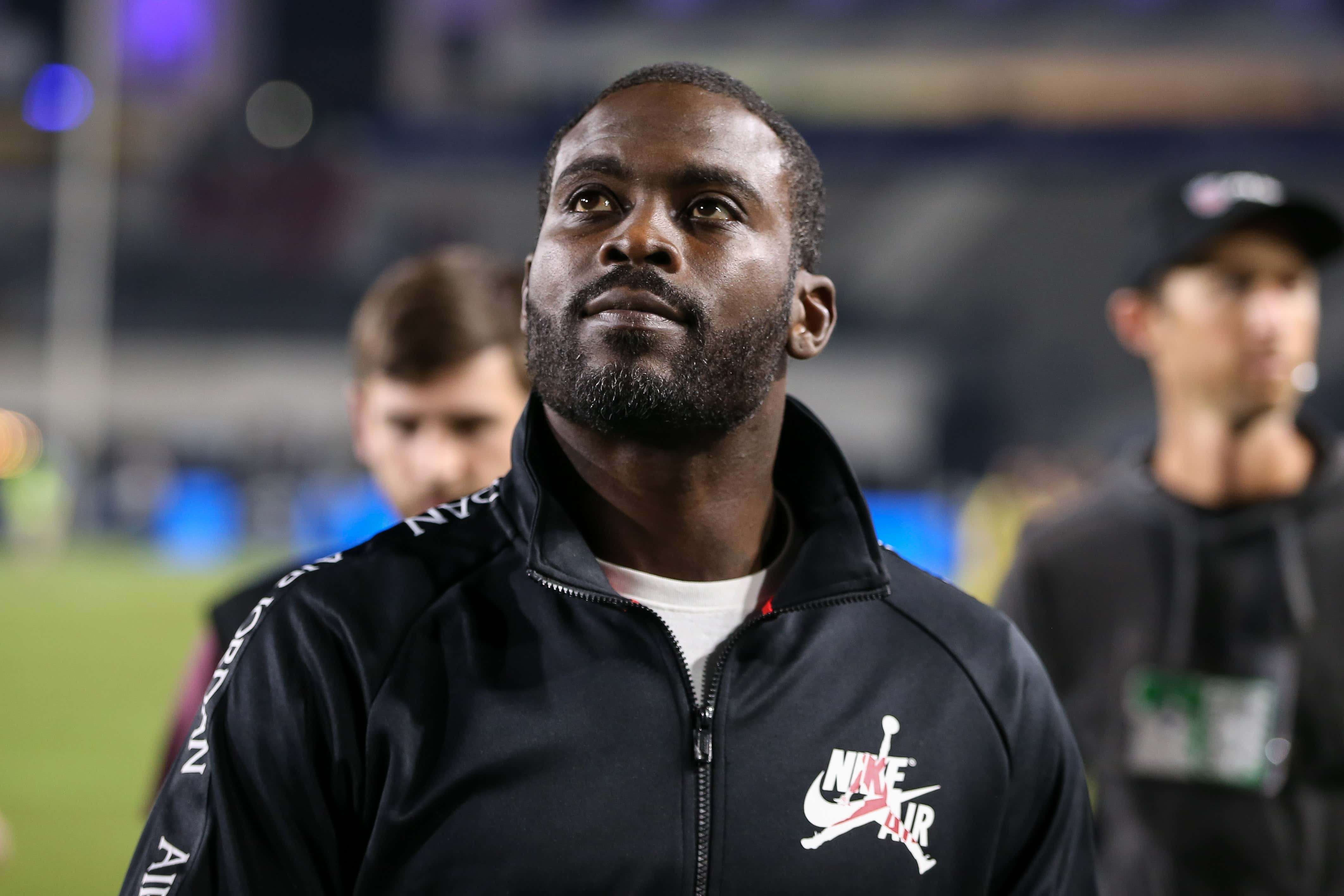Los Angeles, CA…Michael Vick during the NFL game between Chicago Bears vs Los Angeles Rams at the Los Angeles Memorial Coliseum in Los Angeles, Ca on November, 2019. Jevone Moore