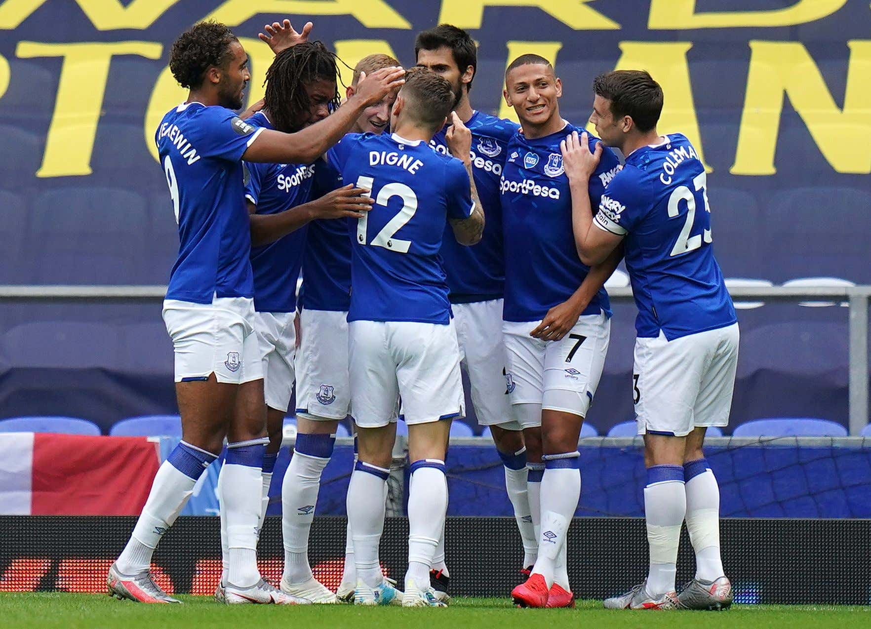 Richarlison of Everton (2-R) reacts with team mates after scoring the 1-0 lead during the English Premier League match between Everton FC and Leicester City in Liverpool, Britain, 01 July 2020.