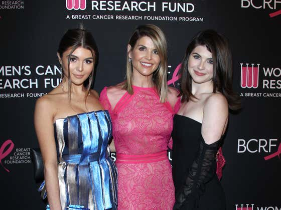 """""""It's A Nightmare For Them"""" — Sources Say Lori Laughlin's Daughters Are """"Beyond Worried"""" With The (2 Month) Jail Sentence. No Not Theirs. The One Their Mom Is Serving."""