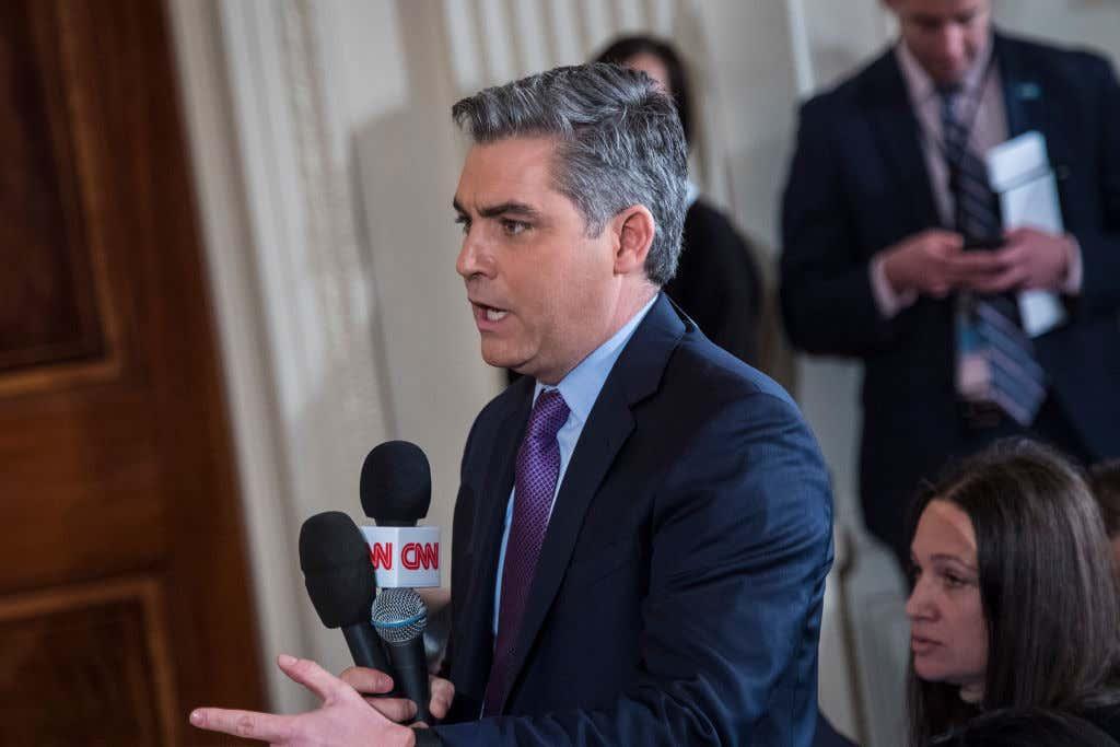 President Trump snarled at CNN reporter Jim Acosta ile ilgili görsel sonucu