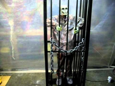 Dude With Skeleton Tattoo On His Face Escapes From Jail