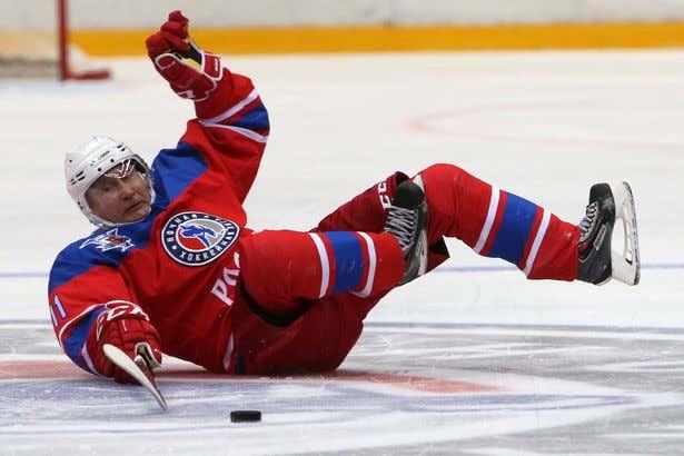 putin-hockey-fall