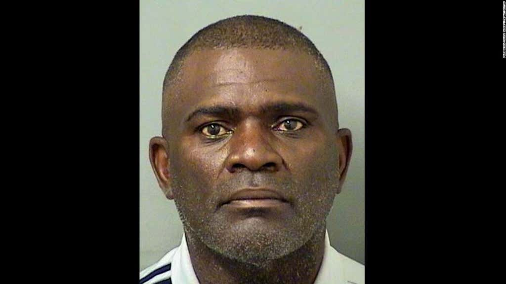 160903203837-lawrence-taylor-booking-photo-0903-full-169