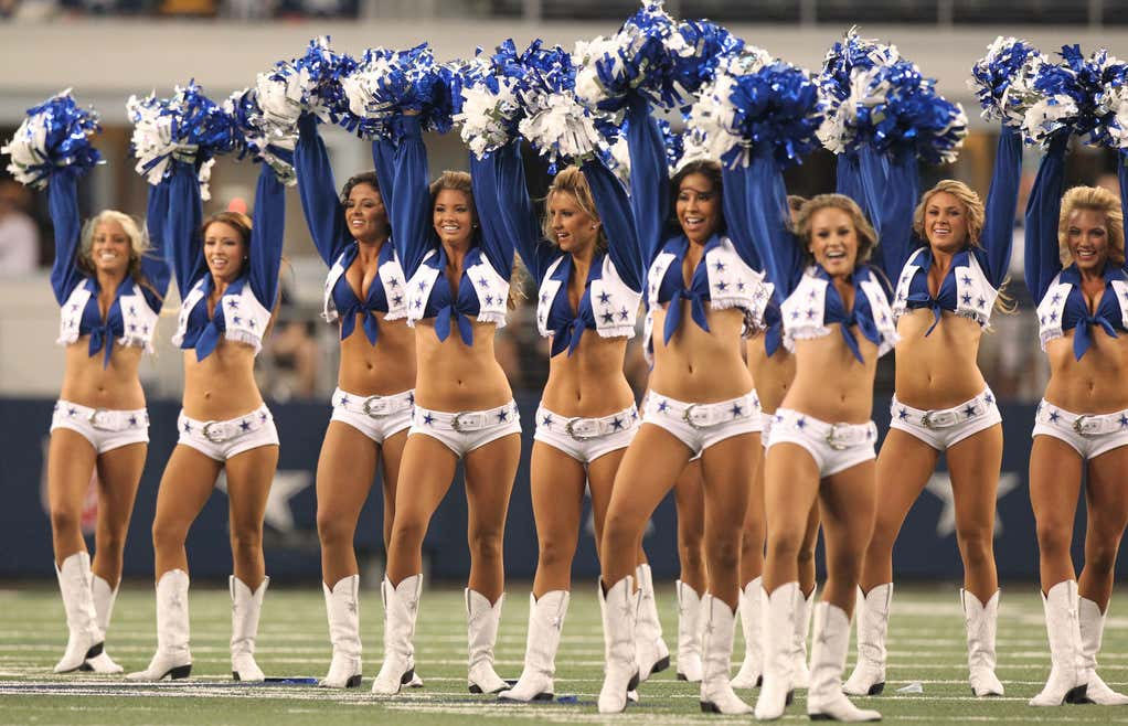 A Dallas Cowboys Cheerleader Is Suing The Organization And -8018