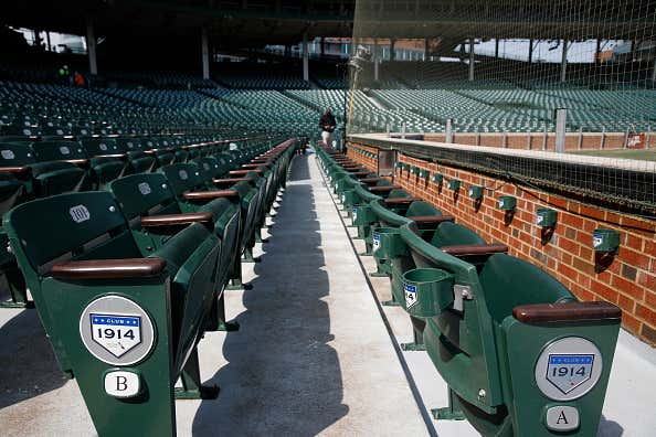 Phil Rosenthal: Cubsâ 1914 Club at Wrigley Field is a windowless hideaway at new-car prices