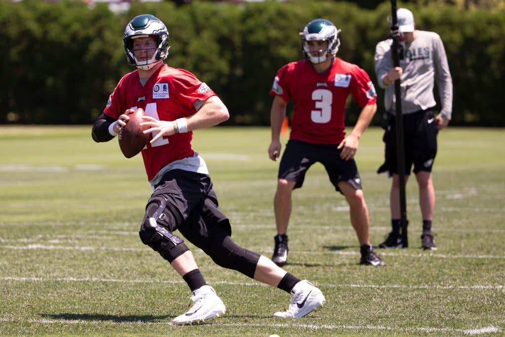 95e2e2b6961 Carson Wentz Was Looking Sexy As Heck Today At Eagles Training Camp ...
