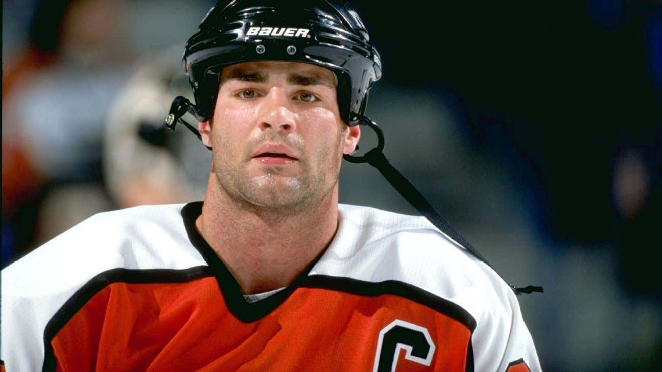 Eric Lindros Says It S Time For The Nhl To Think About