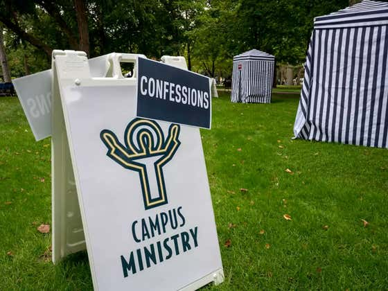 Notre Dame Had Pop Up Confession Booths For Tailgaters Today