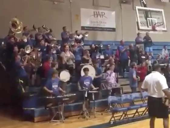 "Baton Rouge High School Performs ""Neck"" At Volleyball Game #LetTheBandPlayNeck"