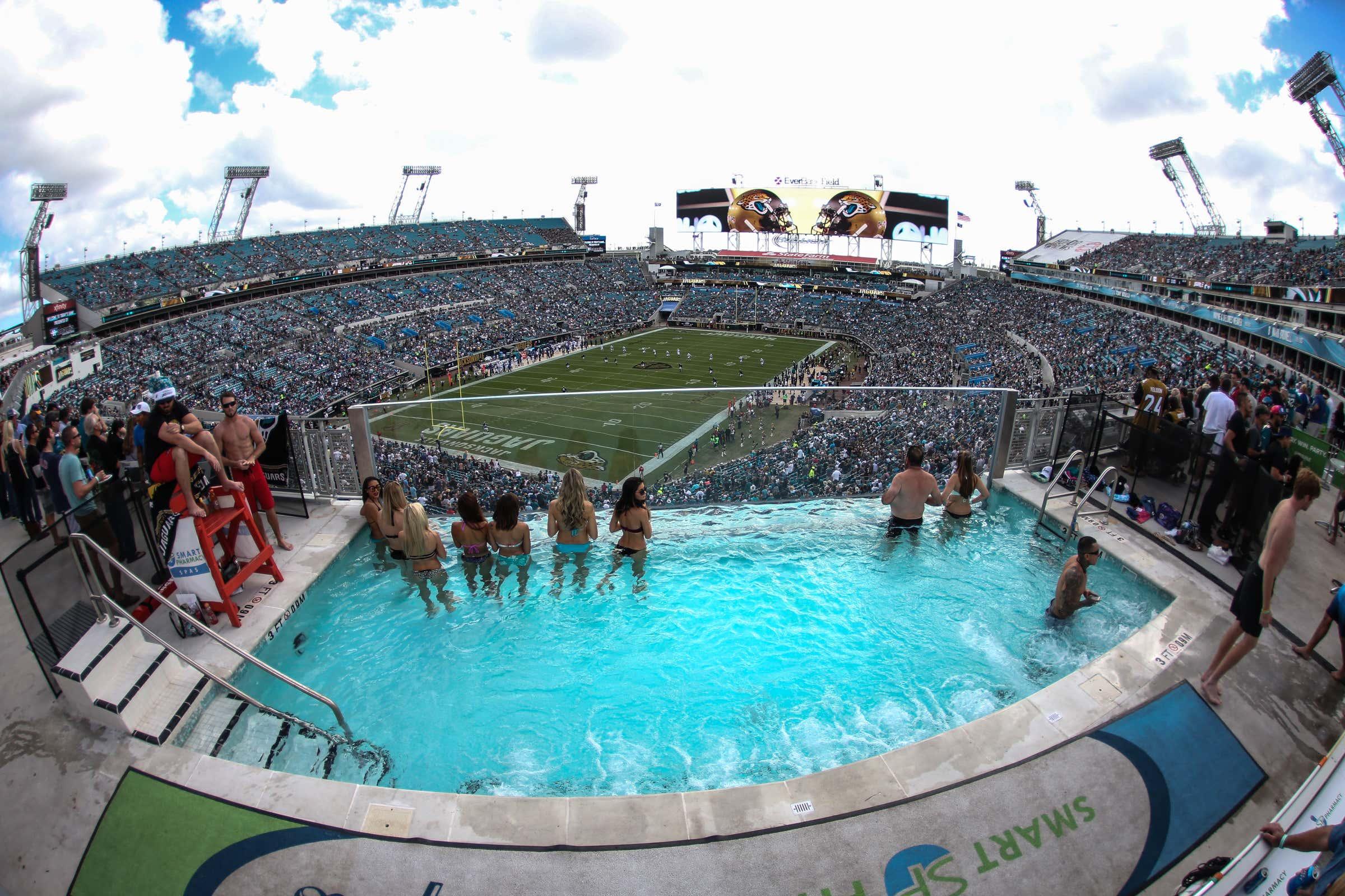 NFL: DEC 13 Colts at Jaguars