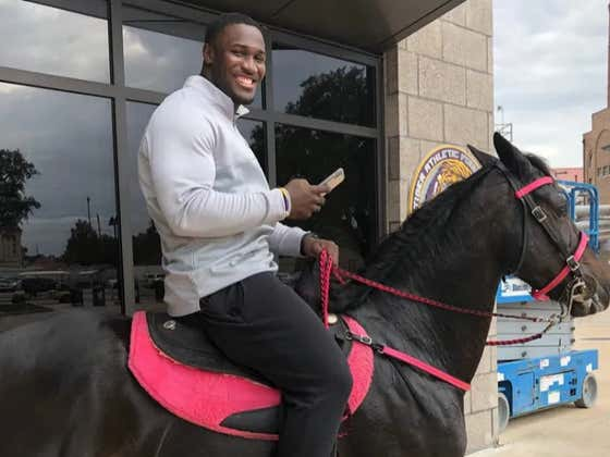LSU's Devin White Is Riding A Horse Around Campus Today