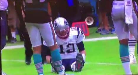 I'm Pretty Sure Tom Brady Magically Healed His Injured Knee Yesterday