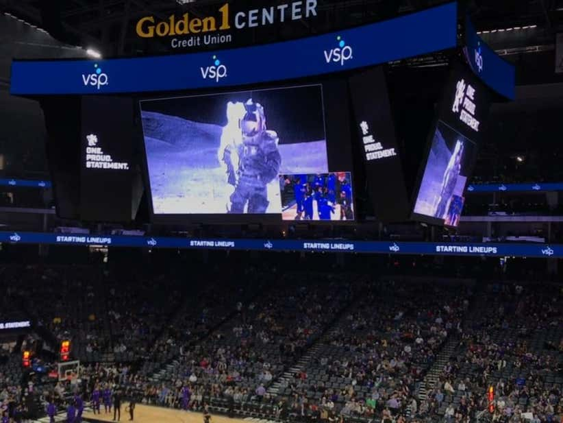 Sacramento Kings Troll Stephen Curry