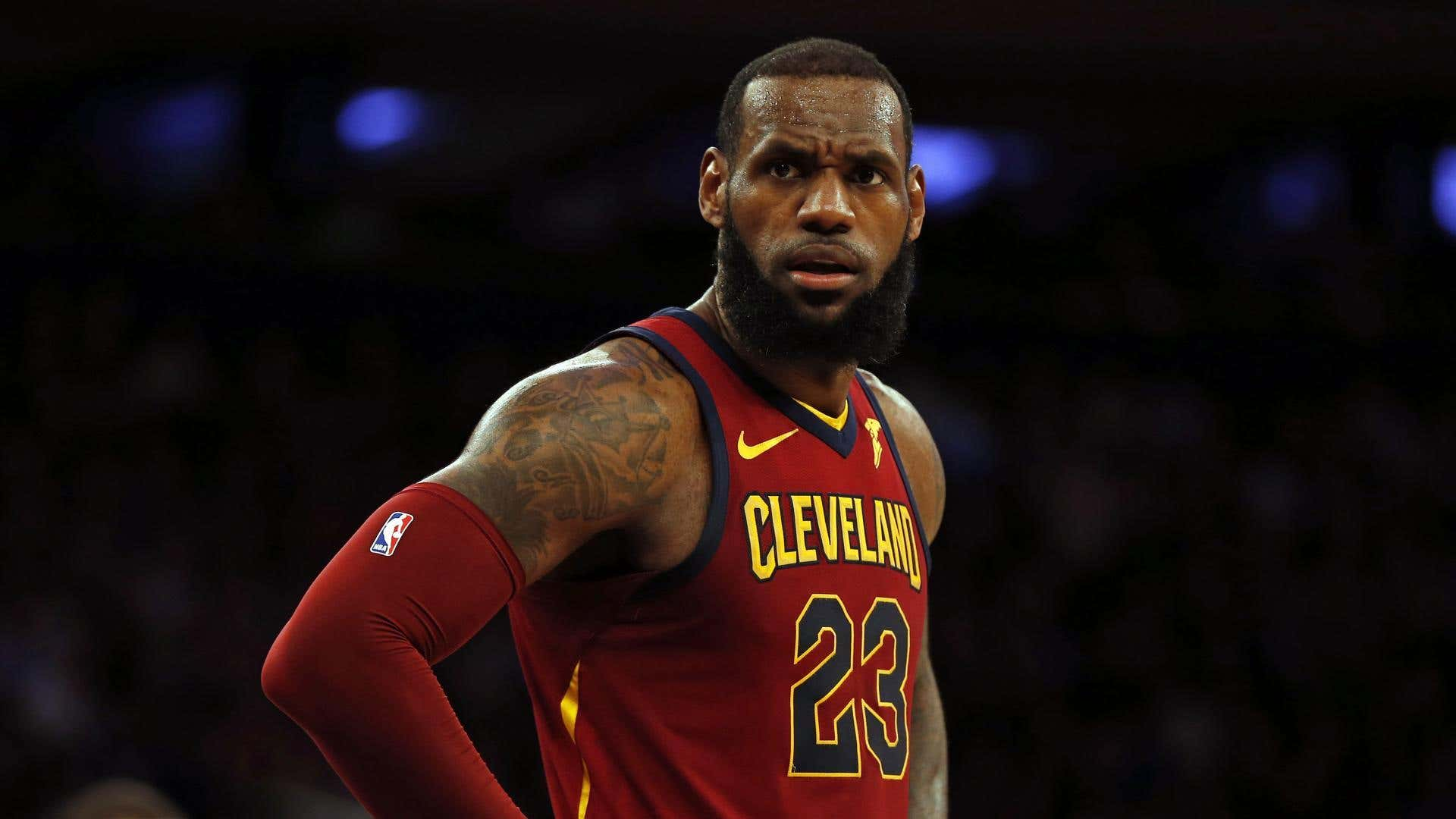 b5cd1469ae33 AP Names LeBron James and Serena Williams the 2018 Athletes of the ...