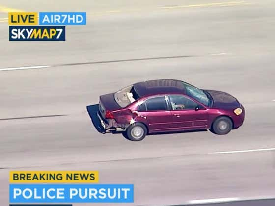 An Old Honda Civic Has Been Leading LAPD On A Chase For The Last Hour & It's Still Going Strong