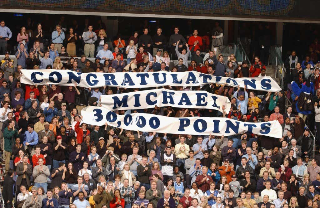 End Your Workday With Michael Jordan Notching 30 000 Points Against