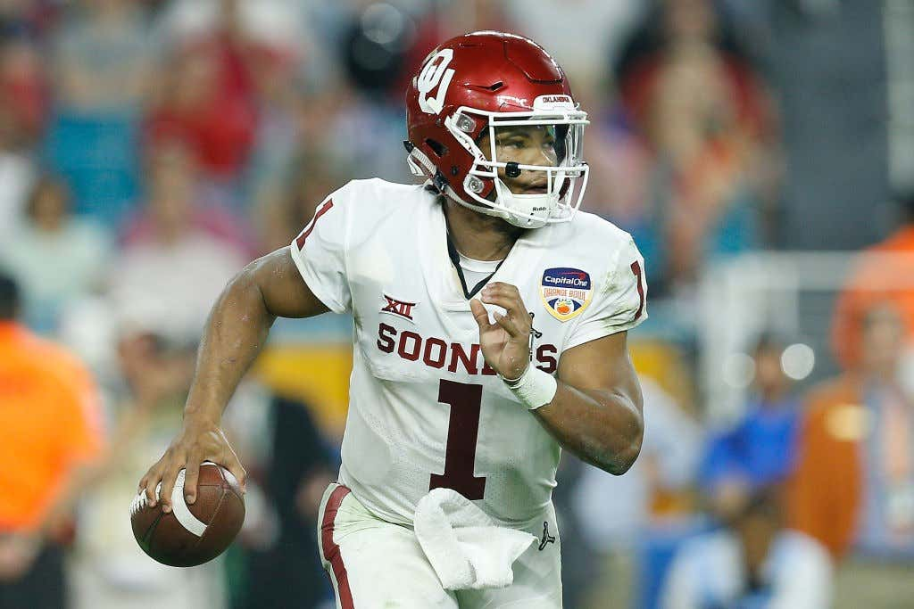 College Football Playoff Semifinal at the Capital One Orange Bowl - Alabama  v Oklahoma. Kyler Murray ... 004b6d814