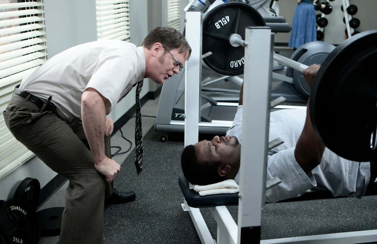 Ranking The Most Awkward Eye Contacts To Make At The Gym