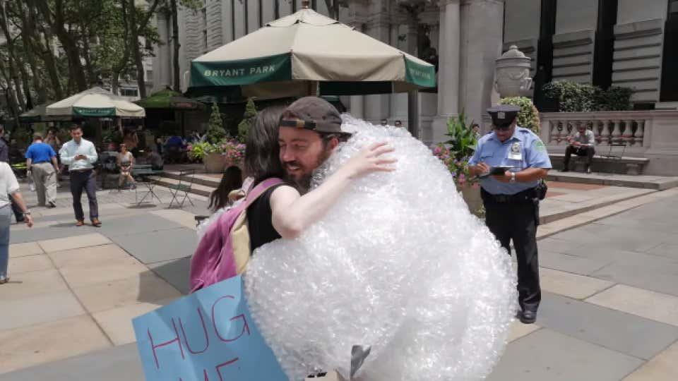 bubble-wrap-hugs-video
