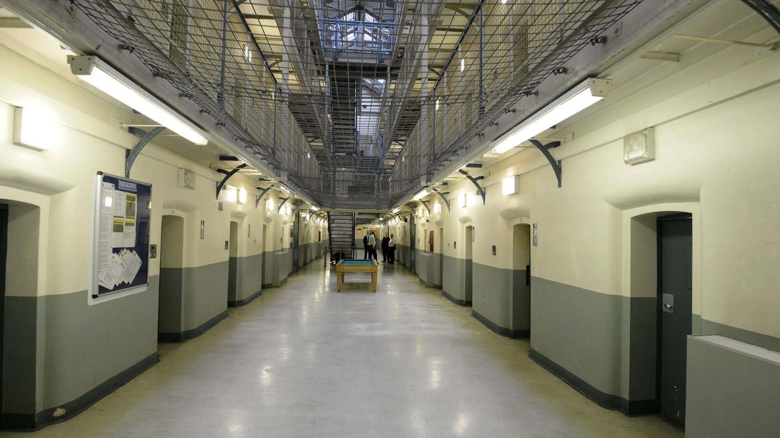 skynews-wormwood-scrubs-prison_4219148