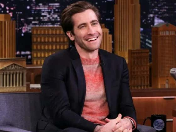Jake Gyllenhaal Stopped In The Middle Of His Performance To Bring A Coughing Woman In The Audience Water