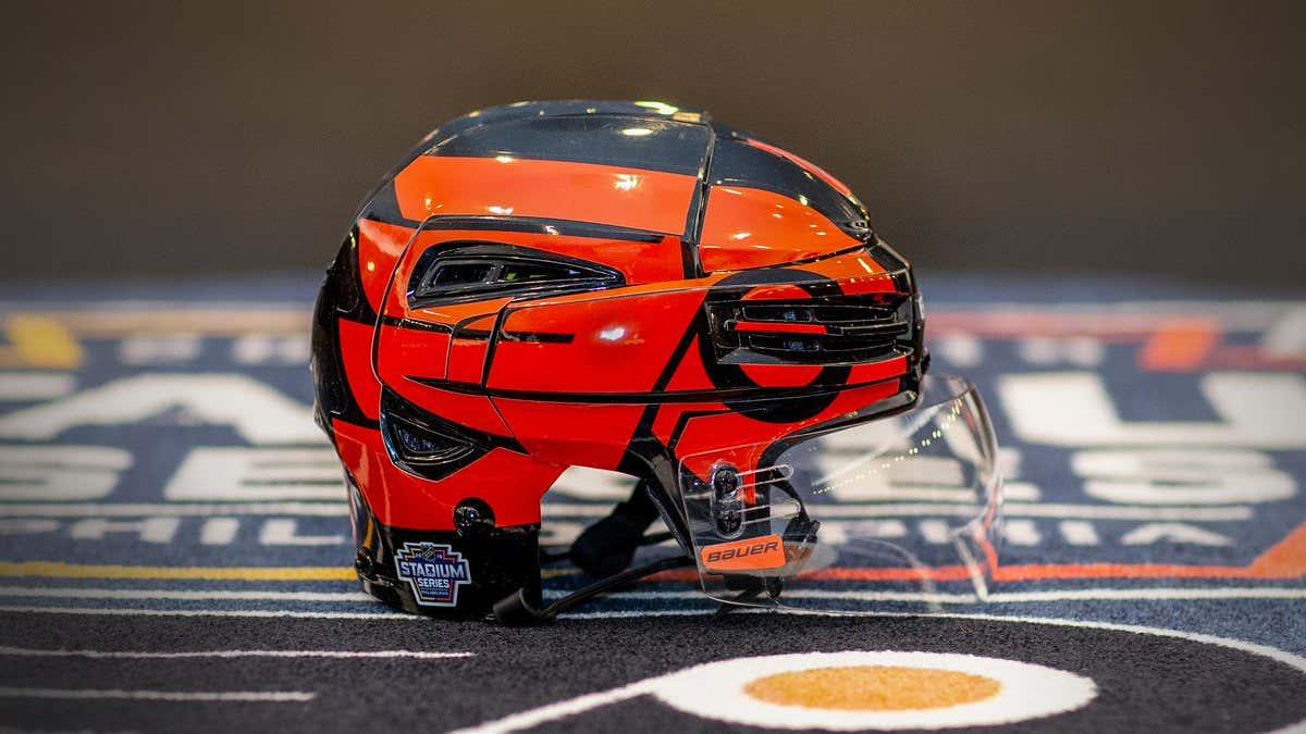 flyers-stadiumseries-helmet