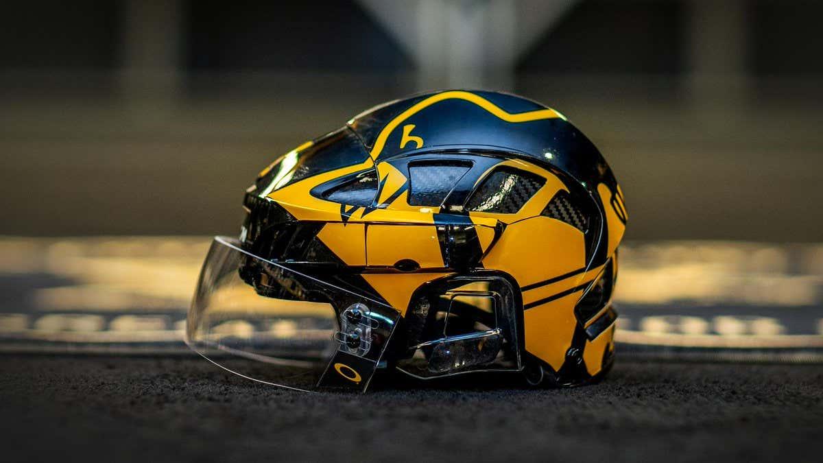 penguins-stadium-series-helmet