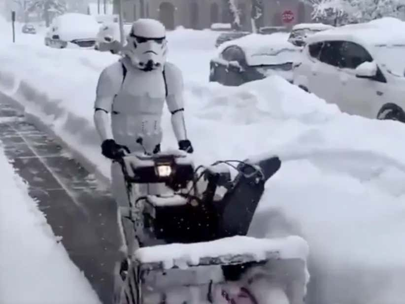 Snowblowing Duty On Hoth Has To Suck