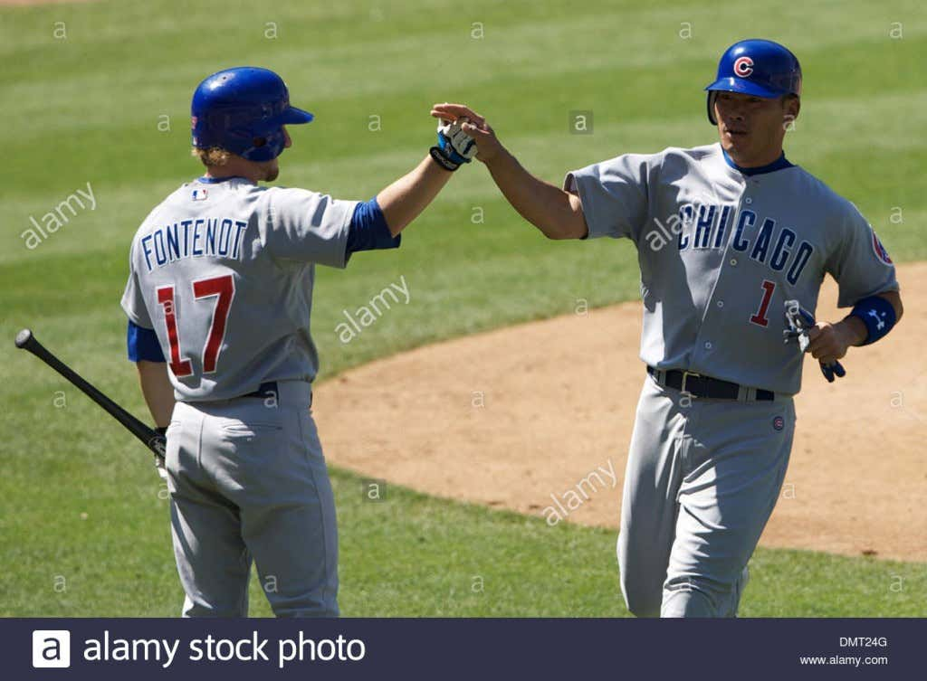game-action-between-the-chicago-cubs-and-los-angeles-dodgers-at-dodger-DMT24G
