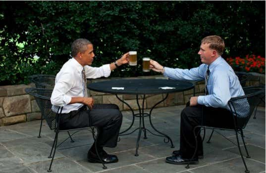 Obama-drinks-up-e1346935491992