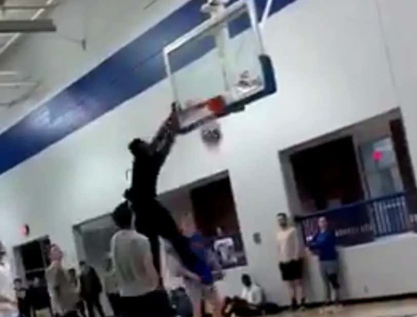 Zion Is A Menace To Rims Everywhere