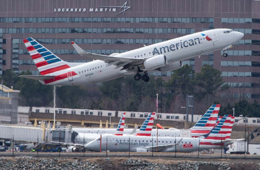 American Airlines Flight Leaves 22 minutes Early Without