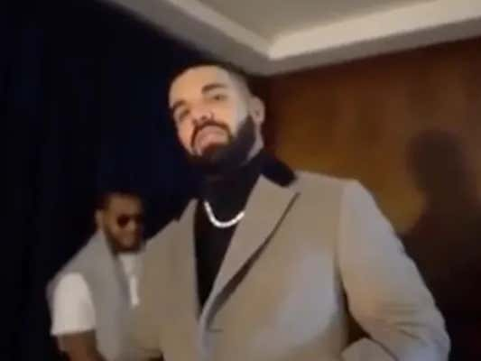 Drake Goes Online To Brag About Wearing A $1,000,000 Outfit