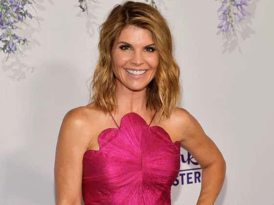 Lori Loughlin Isn't Going Down Without A Fight, Pleads Not Guilty And Now Faces 40 Years In Jail