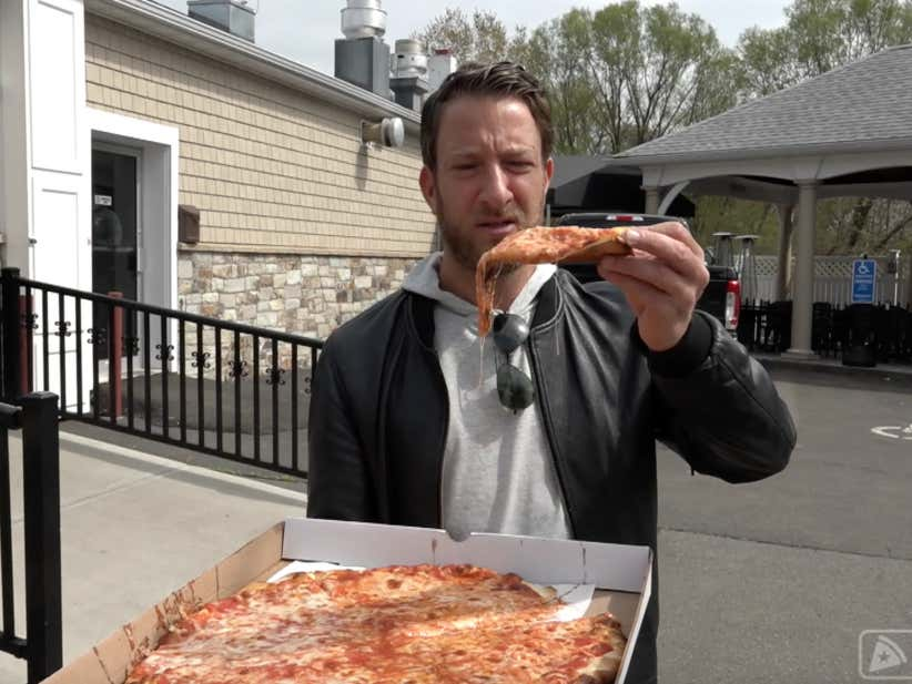 Barstool Pizza Review John Amp Maria S East Haven Ct