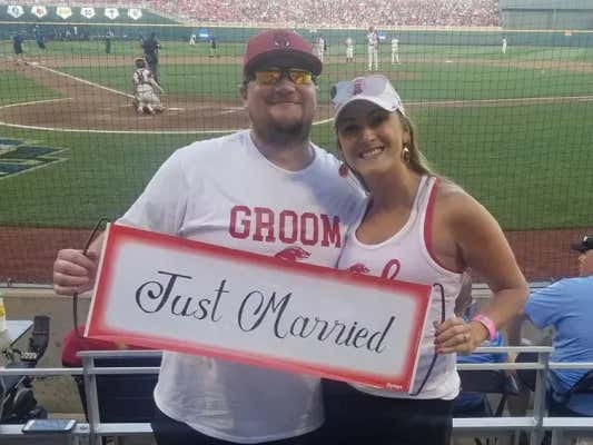 A couple of Hogs get married in Nebraska