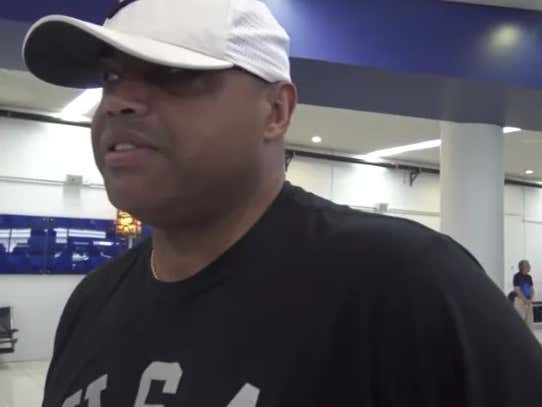 """""""Wherever LaVar Ball Is There's A Village Missing An Idiot"""" - Charles Barkley Gets His Shots In When It Comes To LaVar Ball"""