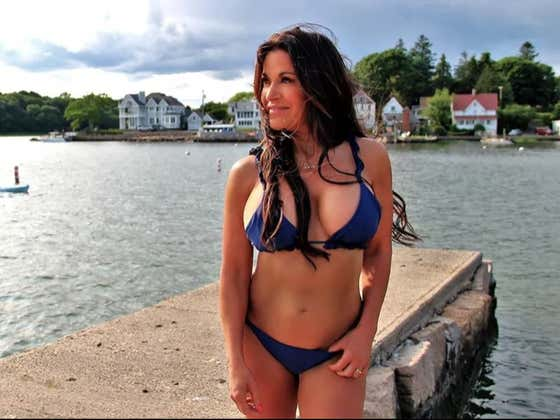 58 Year Old Smoke Mom From New Haven Attempts To Become The Oldest Sports Illustrated Swimsuit Model In History