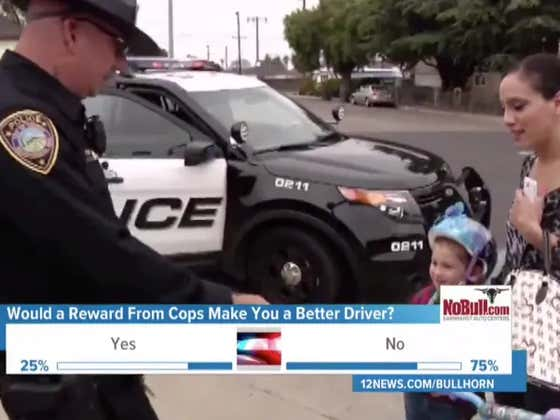 Arizona Police To Pull Over Drivers Following The Law And Reward Them With A $2 Gas Station Coupon