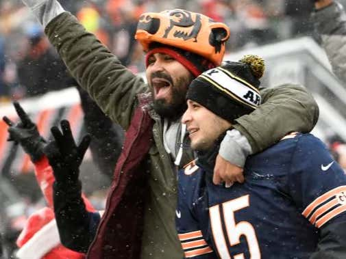 According To Vegas Oddsmakers Money Is Coming In BIG On The Bears For The Super Bowl
