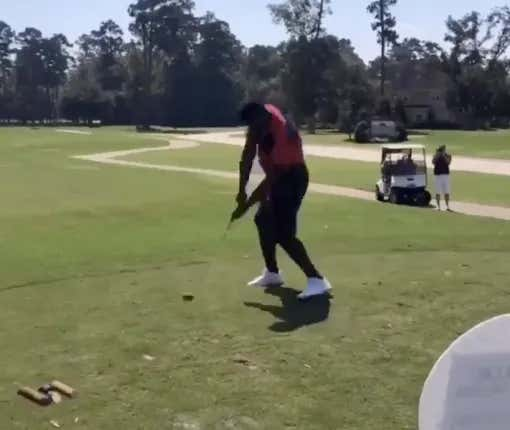 Of Course Zion Williamson Is Such A Beast He Destroyed His Golf Club With One Swing