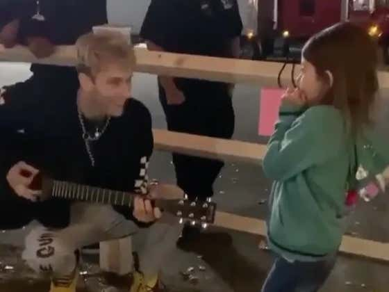 Machine Gun Kelly Makes A Little Fan's Day By Singing Her Favorite Song To Her